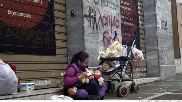 150121133116-greece-homeless-mother-780x439